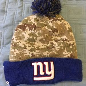 Youth NY Giants salute to service beanie.